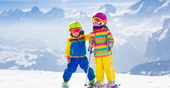 Entspannt Skifahren mit Kindern – Die besten Tipps für den Skiurlaub